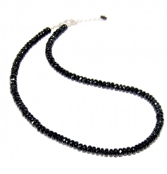 black tourmaline necklace facettet